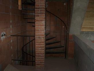 pohled schodiště věže