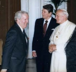Frank Shakespeare, Ronald_Reagan, John Paul II at Vatican, Public domain