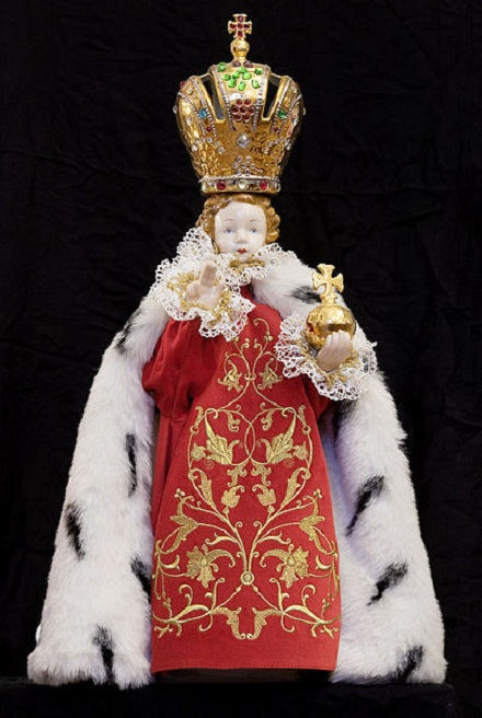 Infant jesus of Prague, Jorge Royan, CC BY-SA 3.0, commons...